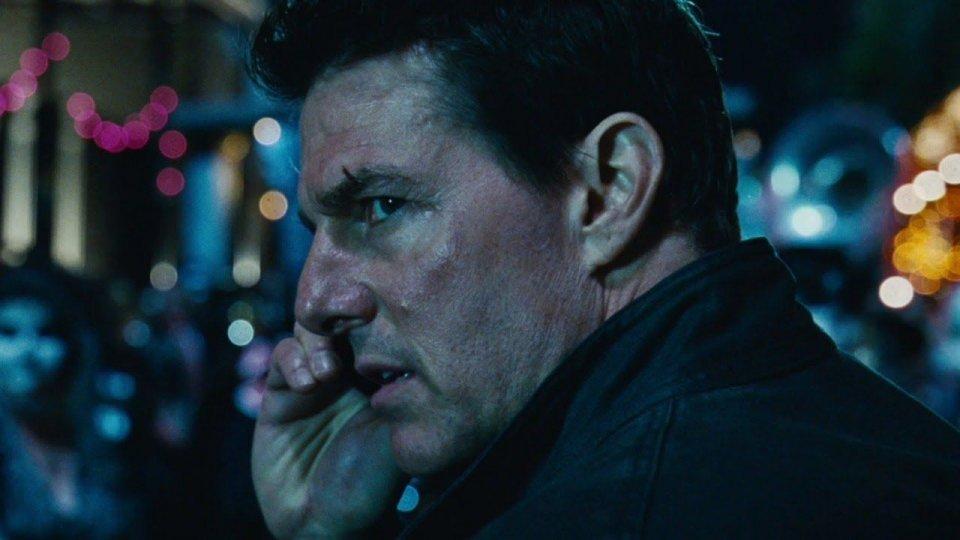 Tom Cruise è una furia: due membri dello staff erano troppo vicini