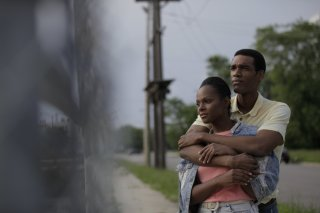 Southside with You: Parker Sawyers e Tika Sumpter in una scena del film