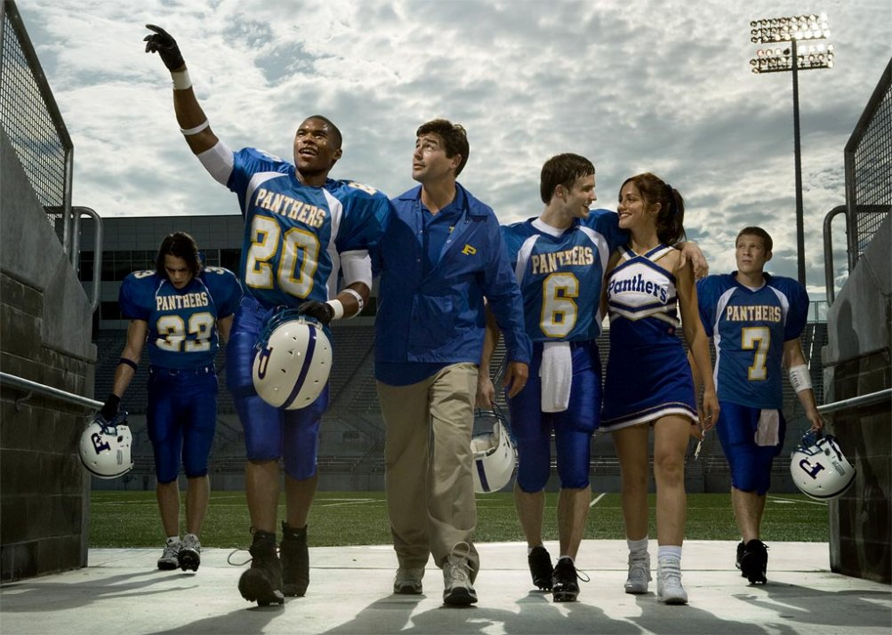 Friday Night Lights: Kyle Chandler, Zach Gilford, Taylor Kitsch in una foto promozionale