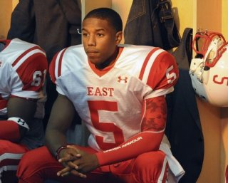 Friday Night Lights: Michael B. Jordan in una scena della serie