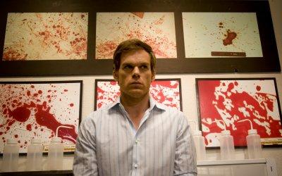 Dexter: 10 buone ragioni per innamorarsi di un serial killer