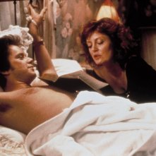 Bull Durham - Un gioco a tre mani: Susan Sarandon e Tim Robbins in una scena del film