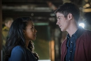 The Flash: un'immagine di Barry e Iris in Flashpoint