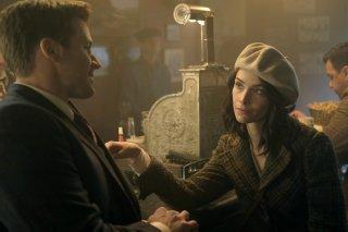 Timeless: un'immagine di Matt Lanter e Abigail Spencer