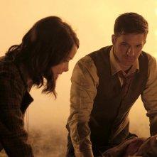 Timeless: Abigail Spencer e Matt Lanter in una foto del pilot