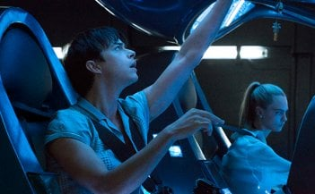 Valerian and the City of a Thousand Planets: un foto dei protagonisti Dane DeHaan e Cara Delevingne