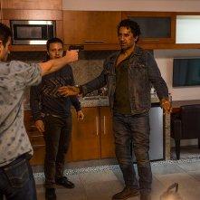 Fear the Walking Dead: Cliff Curtis in una scena dell'episodio North