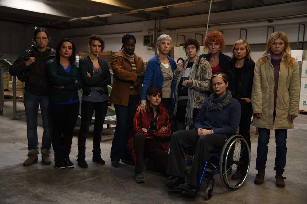7 minuti: una foto promozionale con il cast al completo