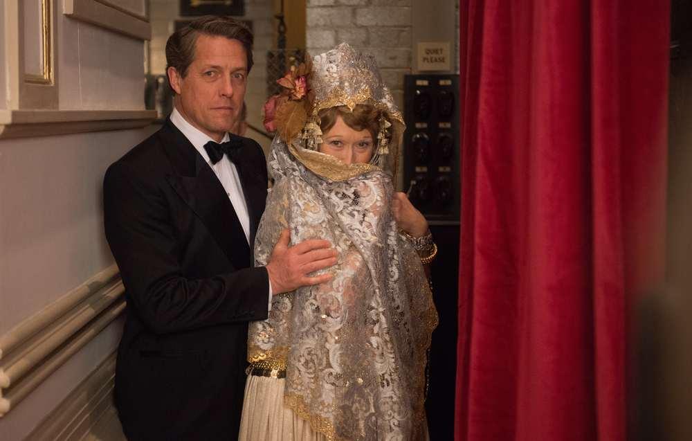 Florence: Meryl Streep e Hugh Grant insieme in un momento del film