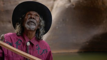 Goldstone: David Gulpilil in una scena del film