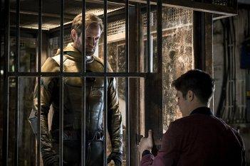 The Flash: Grant Gustin e Matt Letscher nella premiere della stagione 3