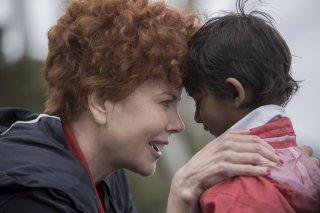Lion: Nicole Kidman e Sunny Pawar in una scena del film