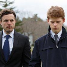 Manchester by the Sea: Lucas Hedges e Casey Affleck in una scena del film