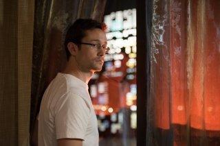 Snowden: Joseph Gordon-Levitt in una scena del film