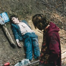 Swiss Army Man - Un amico multiuso: Daniel Radcliffe e Paul Dano in una scena del film