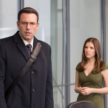 The Accountant: Ben Affleck e Anna Kendrick in una scena del film