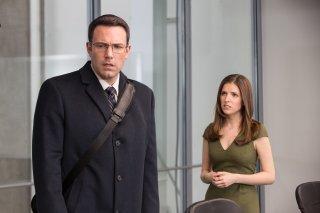 The Accountant: Ben Affleck e Anna Kendrick in una scena del film