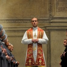 The Young Pope: un'immagine del Papa interpretato da Jude Law