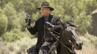 Westworld: Ed Harris in una scena dell'episodio Chestnut