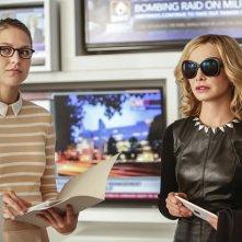 Supergirl: Melissa Benoist e Calista Flockhart in una foto di The Adventures of Supergirl