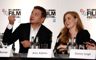 Arrival: Jeremy renner e Amy Adamas alla confererenza del London Film Festival