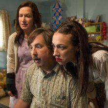 Haters Back Off: Angela Kinsey, Steve Little, Colleen Ballinger in una foto della serie