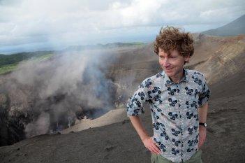 Into the Infero: il co-regista del documentario Clive Oppenheimer in un'immagine dal set
