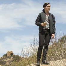 Westworld: Shannon Woodward in The Stray