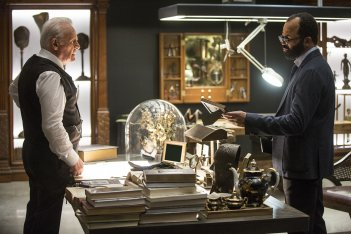 Westworld: gli attori Anthony Hopkins e Jeffrey Wright in The Stray