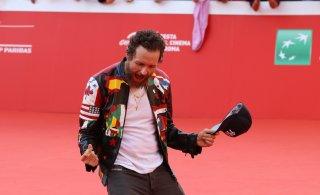 Roma 2016: Jovanotti scherza sul red carpet
