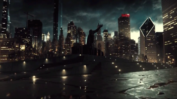 Batman v Superman: Dawn of Justice: un'immagine di Metropolis dal trailer del film