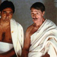 Don Ameche e Joe Mantegna nel film Le cose cambiano