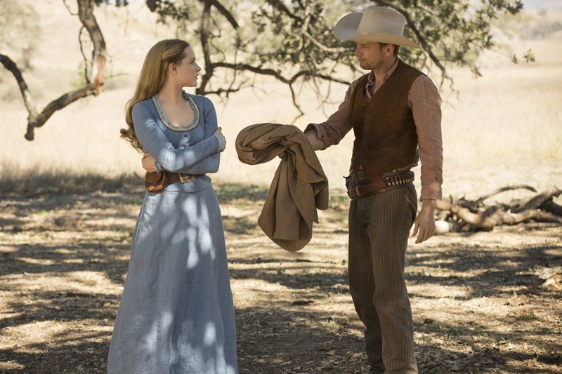 Westworld: Evan Rachel Wood e James Marsden nell'episodio Dissonance Theory