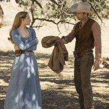 Westworld: Evan Rachel Wood e James Marsden nell'episodio Dissonance Theory
