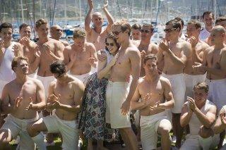 The Crown: Claire Foy e Matt Smith nei ruoli di Elisabeth e Philip