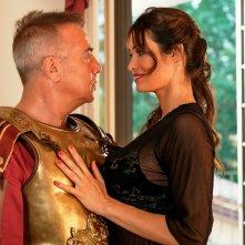 Non si ruba a casa dei ladri: Massimo Ghini e Manuela Arcuri in una scena del film