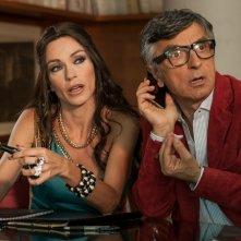 Non si ruba a casa dei ladri: Vincenzo Salemme e Stefania Rocca in una scena del film