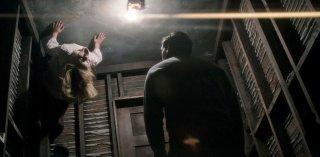 Ouija - L'origine del male: un'inquietante scena tratta dal film