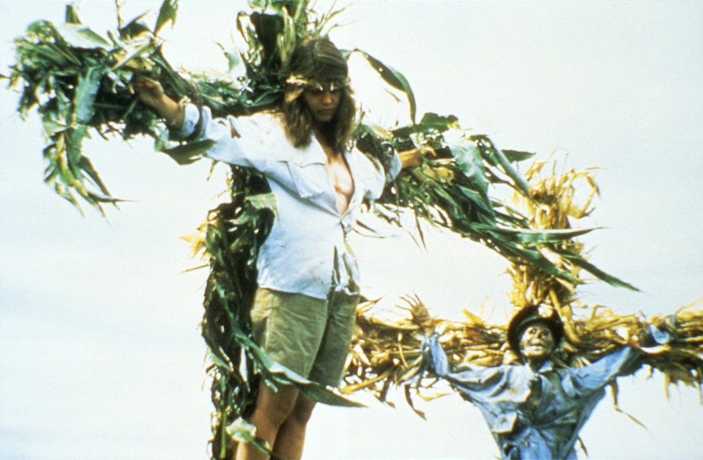 Linda Hamilton in una scena di Grano Rosso Sangue (Children of the Corn)