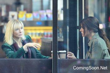 Ocean's Eight: Cate Blanchett e Sandra Bullock sul set