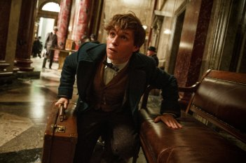 Fantastic Beasts and Where to Find Them: l'attore Eddie Redmayne nel ruolo di Newt Scamander