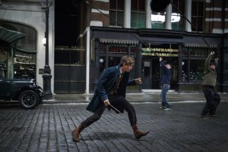 Fantastic Beasts and Where to Find Them: Eddie Redmayne sul set del film