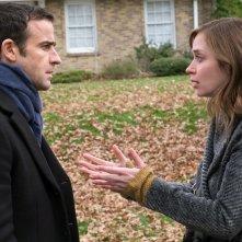 La ragazza del treno: Emily Blunt e Justin Theroux in una scena del film
