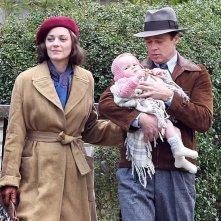 Allied - Un'ombra nascosta: Brad Pitt e Marion Cotillard in un momento del film