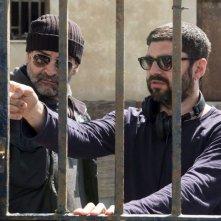 Falchi: il regista Toni D'angelo e Fortunato Cerlino sul set