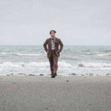 Genius: Jude Law in una scena del film