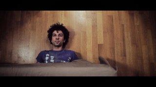 In bici senza sella: Alessandro Giuggioli in un'immagine tratta dal film