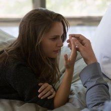 Knight of Cups: Natalie Portman in una scena del film