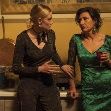 La cena di Natale: Eva Riccobono e Antonella Attili in una scena del film