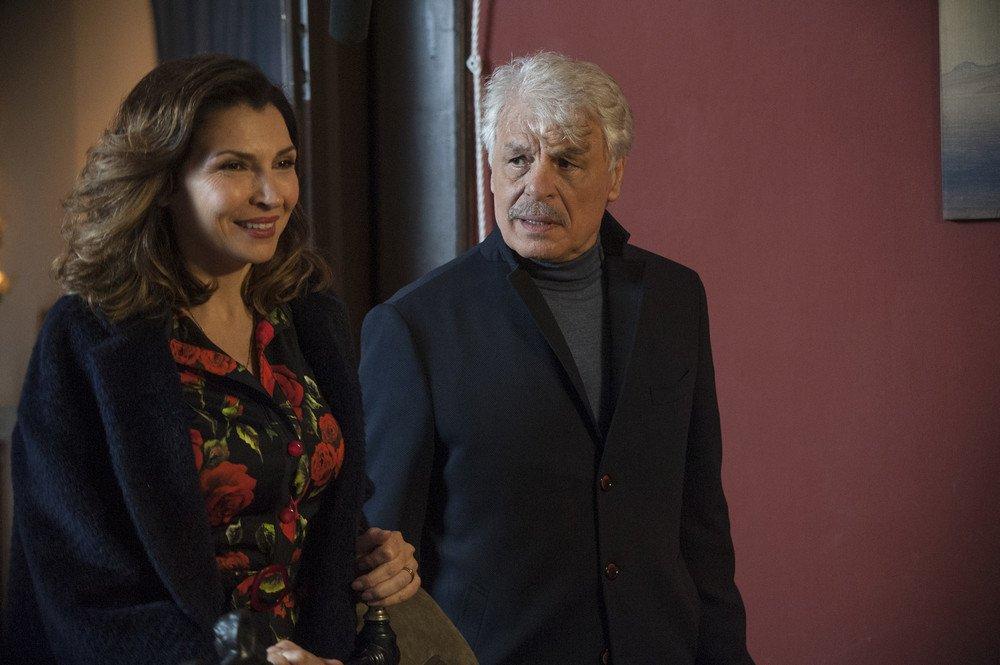 La cena di Natale: Michele Placido e Maria Pia Calzone in una scena del film
